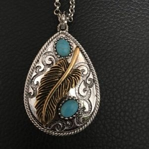 Jewelry - Silver feather necklace